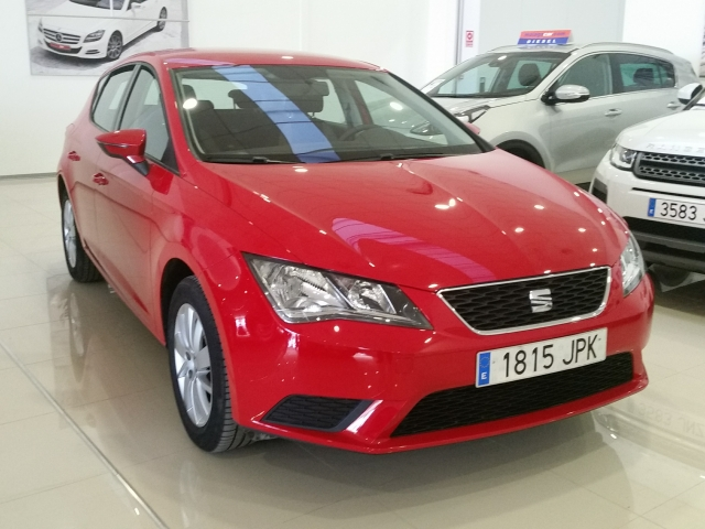 seat leon 2016 le n 1 2 tsi 110cv stsp reference 5p petrol red. Black Bedroom Furniture Sets. Home Design Ideas