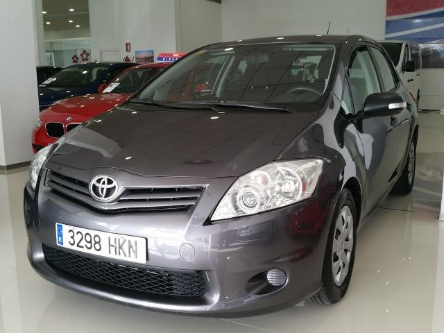 Toyota Auris  90d Live 5p. de ocasión en Málaga - Foto 1