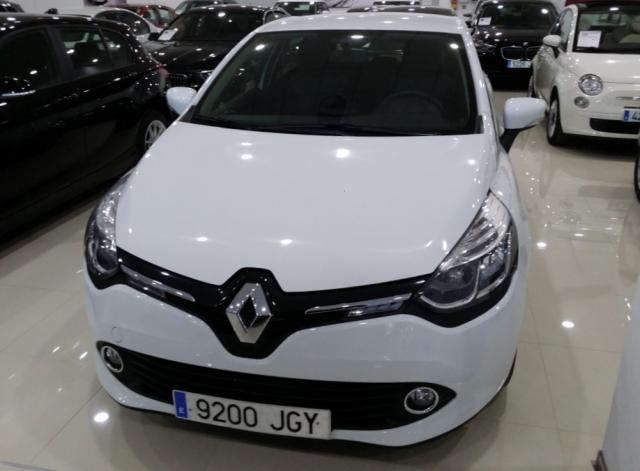 Renault Clio  Expression 1.2 16v 75 5p. de ocasión en Málaga - Foto 2