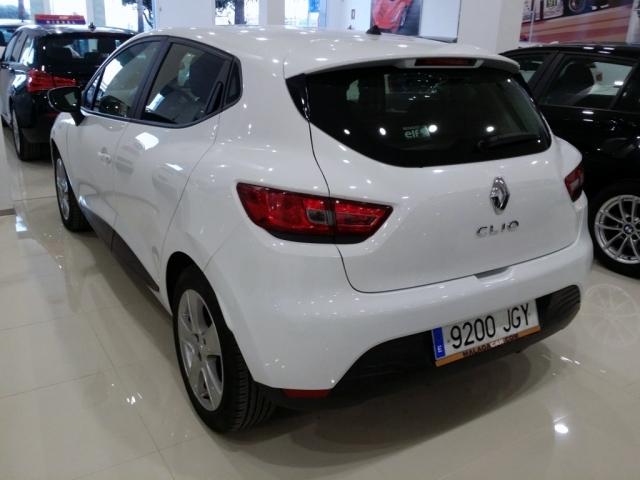 Renault Clio  Expression 1.2 16v 75 5p. de ocasión en Málaga - Foto 3