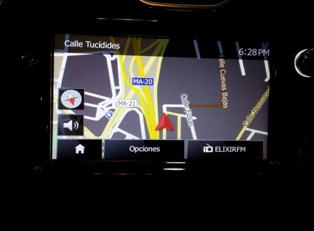 Renault Clio  Expression 1.2 16v 75 5p. de ocasión en Málaga - Foto 8