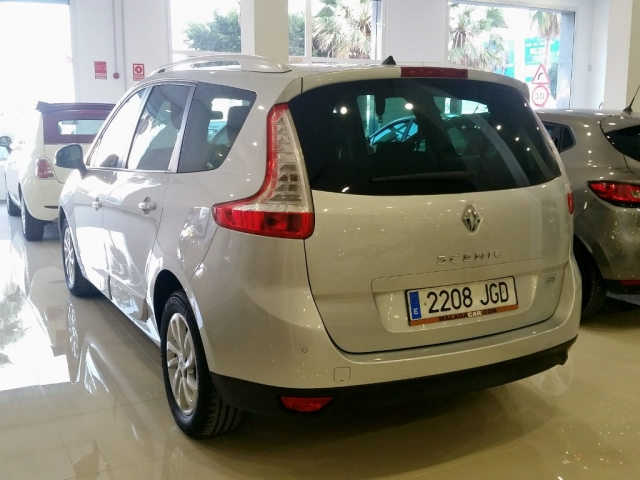 RENAULT GRAND SCENIC Grand Scénic LIMITED dCi 110 EDC 7p Euro 6 5p. for sale in Malaga - Image 3