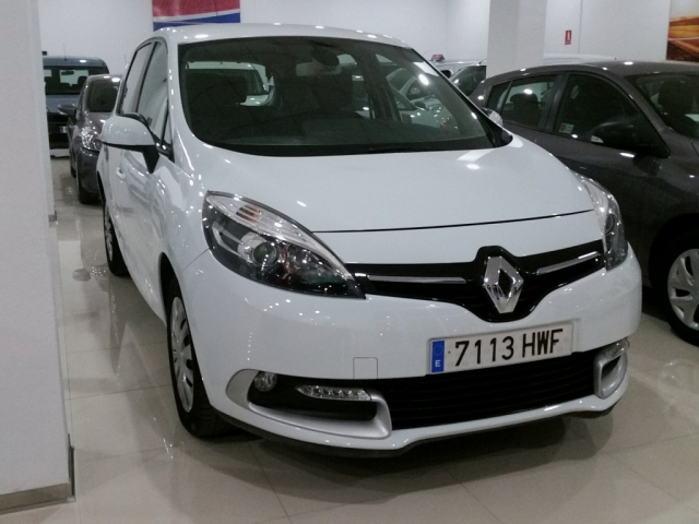 Renault Scenic  Expression Energy Dci 110 Eco2 5p. de ocasión en Málaga - Foto 2
