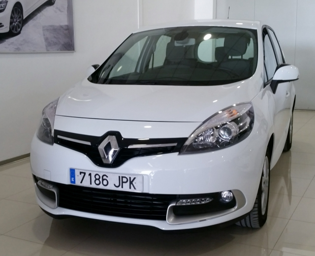 RENAULT SCENIC Scénic SELECTION dCi 95 eco2 Euro 6 5p. used car in Malaga