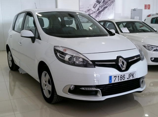 RENAULT SCENIC Scénic SELECTION dCi 95 eco2 Euro 6 5p. for sale in Malaga - Image 2