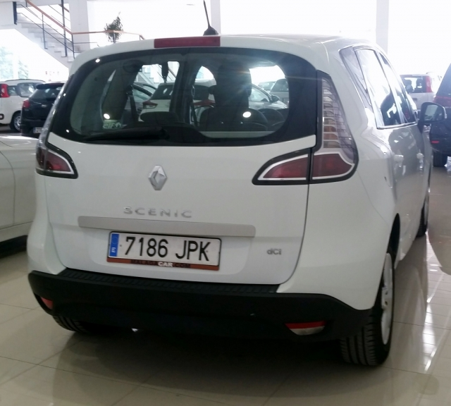 RENAULT SCENIC Scénic SELECTION dCi 95 eco2 Euro 6 5p. for sale in Malaga - Image 4