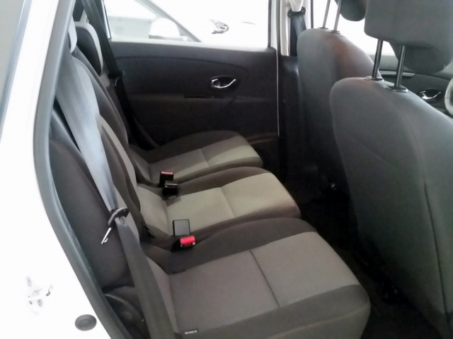 RENAULT SCENIC Scénic SELECTION dCi 95 eco2 Euro 6 5p. for sale in Malaga - Image 5
