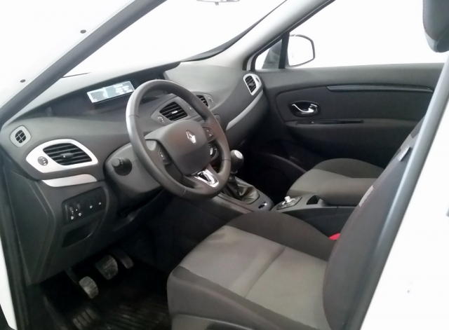 RENAULT SCENIC Scénic SELECTION dCi 95 eco2 Euro 6 5p. for sale in Malaga - Image 7