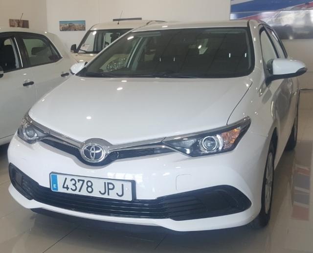 Toyota Auris  1.4 90d Active 5p. de ocasión en Málaga - Foto 2