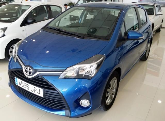 Toyota Yaris  1.0 70 City 5p. de ocasión en Málaga - Foto 2