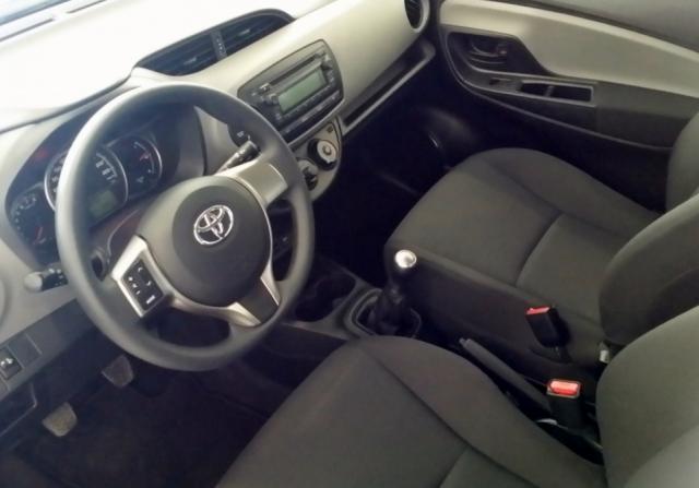 Toyota Yaris  1.0 70 City 5p. de ocasión en Málaga - Foto 6