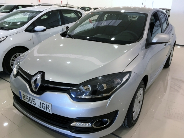 renault megane 2015 intens energy tce 115 ss eco2 5p petrol silver. Black Bedroom Furniture Sets. Home Design Ideas