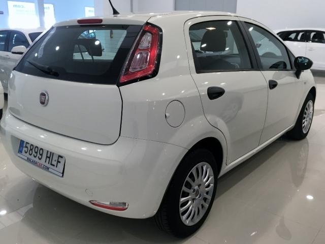 Fiat Punto  1.4 8v Pop 77 Cv Gasolina Ss 5p. de ocasión en Málaga - Foto 4