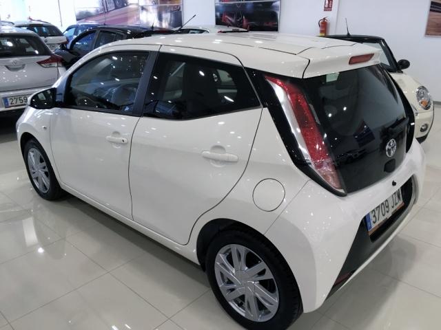Toyota Aygo  1.0 70 Xplay Business 5p. de ocasión en Málaga - Foto 3