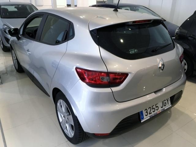 Renault Clio  Expression 1.2 16v 75 5p. de ocasión en Málaga - Foto 4
