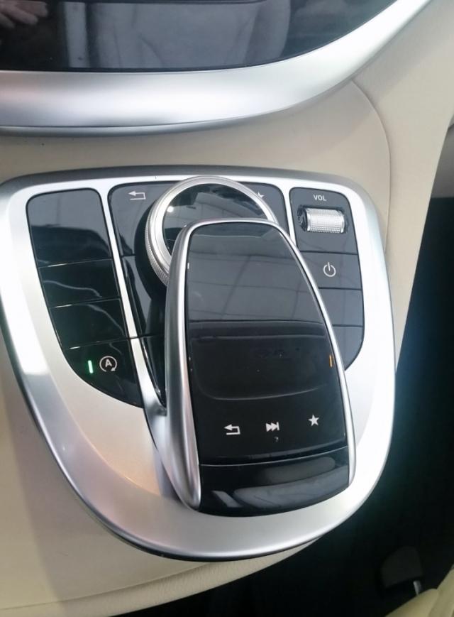Mercedes-benz V220  Cdi de ocasión en Málaga - Foto 8