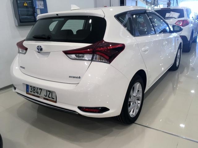Toyota Auris  Hibrido Active Pack Sensor de ocasión en Málaga - Foto 3