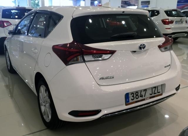 Toyota Auris  Hibrido Active Pack Sensor de ocasión en Málaga - Foto 4