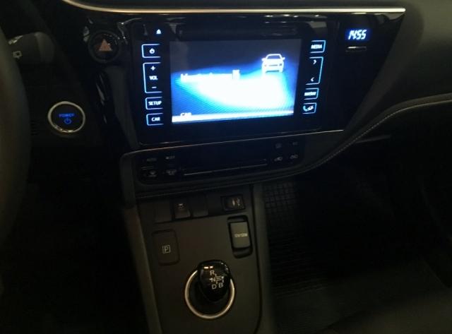 Toyota Auris  Hibrido Active Pack Sensor de ocasión en Málaga - Foto 9