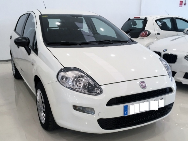 Fiat Punto  1.4 8v Pop 77 Cv Gasolina Ss 5p. de ocasión en Málaga - Foto 1