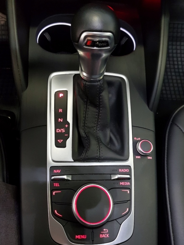 Audi A3 Sportback Advance Tdi de ocasión en Málaga - Foto 9