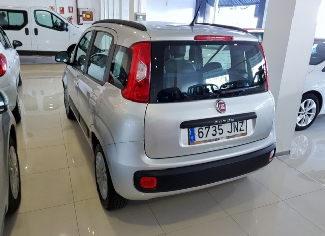 Fiat Panda  1.2 Lounge 51kw 69cv Eu6 5p. de ocasión en Málaga - Foto 4