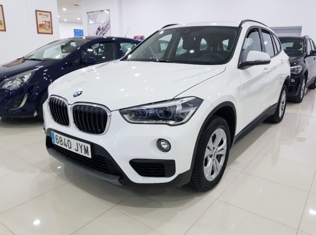 bmw x1 2017 sdrive18d 5p diesel white automatic. Black Bedroom Furniture Sets. Home Design Ideas