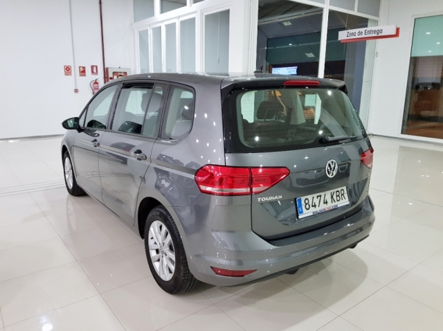 VOLKSWAGEN TOURAN  Edition 1.6 TDI 85kW 115CV 5p. for sale in Malaga - Image 4