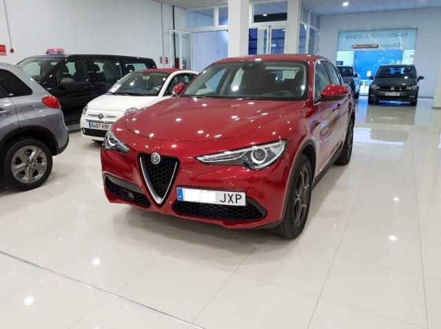 Alfa Romeo Stelvio  2.2 Diesel 180 Cv de ocasión en Málaga - Foto 2