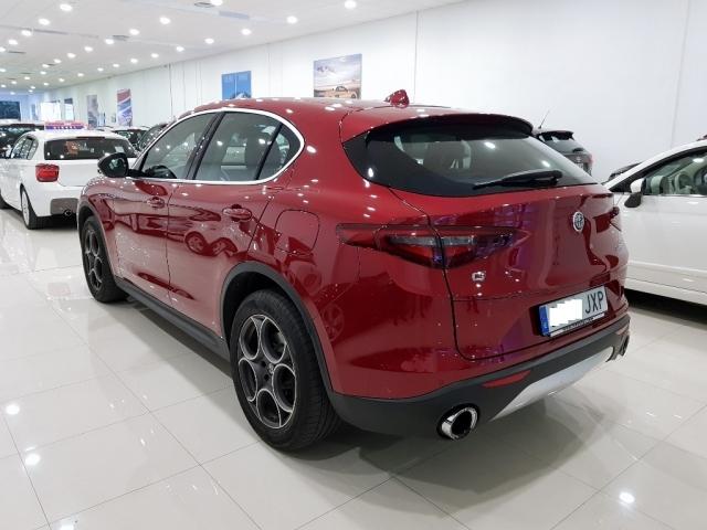 Alfa Romeo Stelvio  2.2 Diesel 180 Cv de ocasión en Málaga - Foto 3