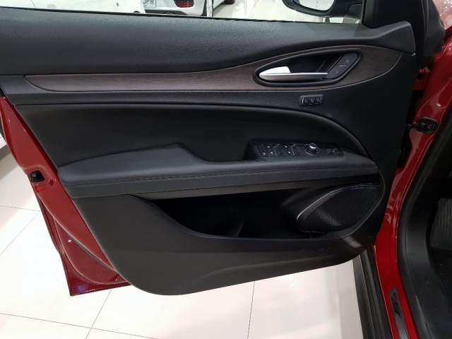 Alfa Romeo Stelvio  2.2 Diesel 180 Cv de ocasión en Málaga - Foto 6