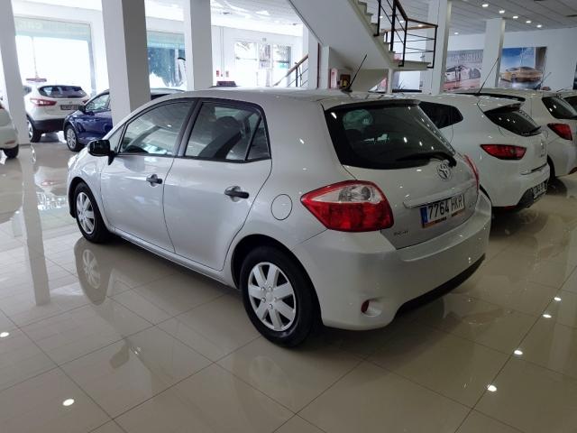 Toyota Auris  90d Live 5p. de ocasión en Málaga - Foto 4