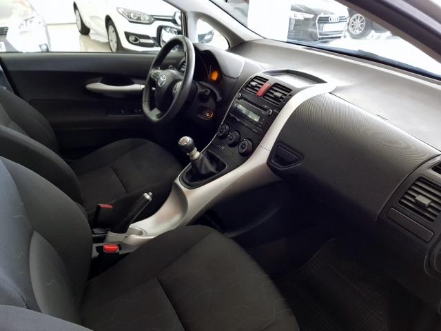 Toyota Auris  90d Live 5p. de ocasión en Málaga - Foto 6