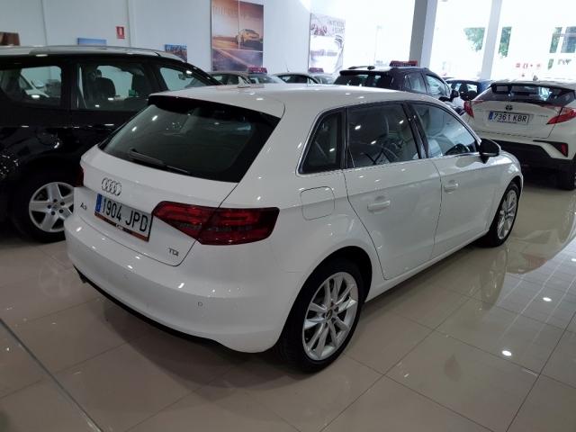 Audi A3  1.6 Tdi 110cv Sportback 5p. de ocasión en Málaga - Foto 3