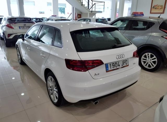 Audi A3  1.6 Tdi 110cv Sportback 5p. de ocasión en Málaga - Foto 4