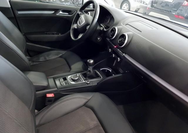 Audi A3  1.6 Tdi 110cv Sportback 5p. de ocasión en Málaga - Foto 7