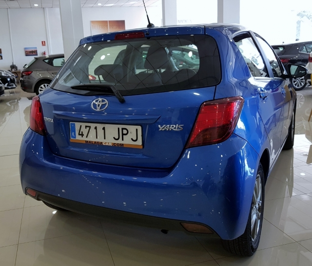 Toyota Yaris  70 City 5p. de ocasión en Málaga - Foto 3
