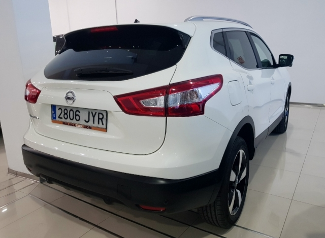Nissan Qashqai  1.2i Digt Nconnecta 4x2 5p. de ocasión en Málaga - Foto 4