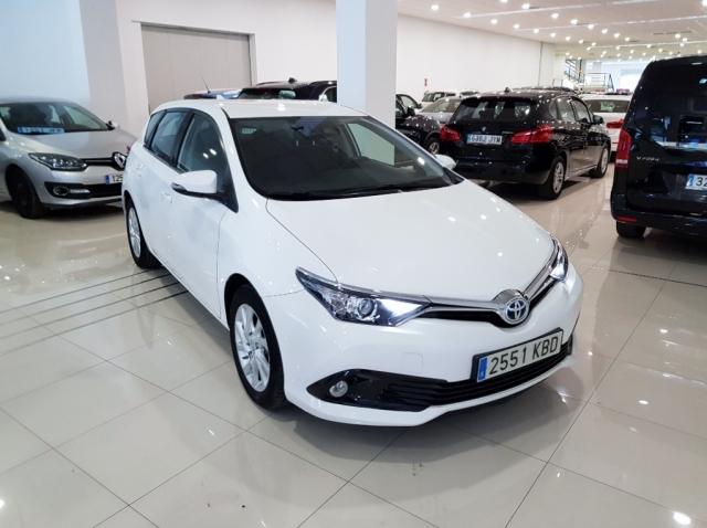 TOYOTA AURIS  1.8 140H Hybrid Advance 5p. de segunda Mano en Málaga