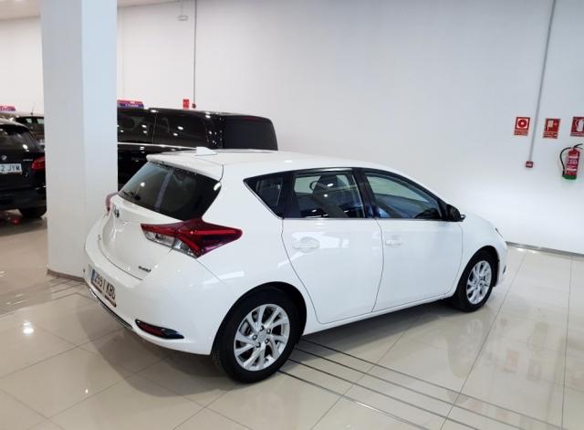 Toyota Auris  1.8 140h Hybrid Advance 5p. de ocasión en Málaga - Foto 3