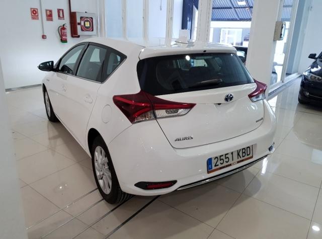 Toyota Auris  1.8 140h Hybrid Advance 5p. de ocasión en Málaga - Foto 4