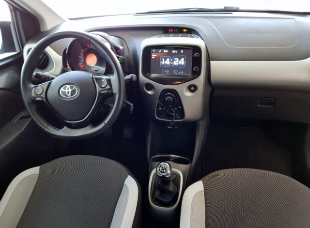 Toyota Aygo  1.0 70 Xplay 5p. de ocasión en Málaga - Foto 5