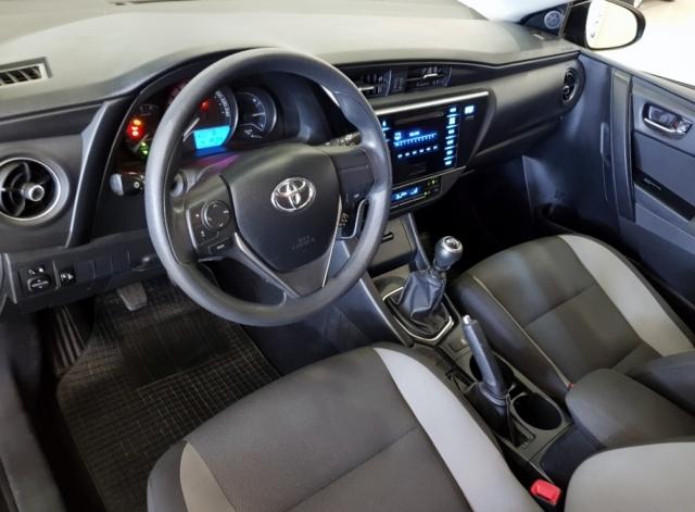 Toyota Auris  1.4 90d Business 5p. de ocasión en Málaga - Foto 8