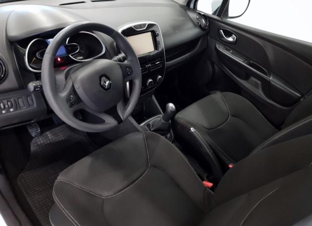 Renault Clio  Expression 1.2 16v 75 5p. de ocasión en Málaga - Foto 7