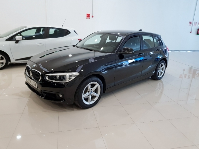 BMW SERIE 1  116d EfficientDynamics 5p. for sale in Malaga - Image 1