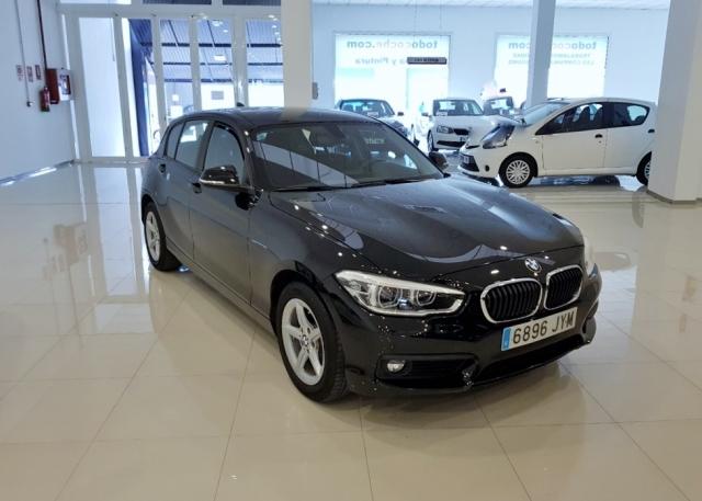 BMW SERIE 1  116d EfficientDynamics 5p. de ocasión en Málaga - Foto 2
