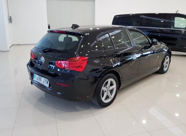 BMW SERIE 1  116d EfficientDynamics 5p. de ocasión en Málaga - Foto 3