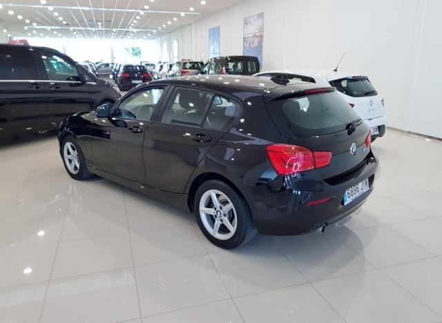 BMW SERIE 1  116d EfficientDynamics 5p. de ocasión en Málaga - Foto 4