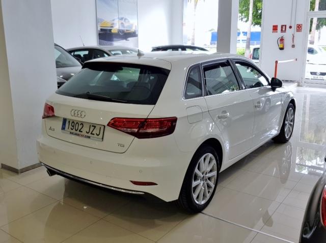 Audi A3  Sport Edition 1.6 Tdi Sportback 5p. de ocasión en Málaga - Foto 3