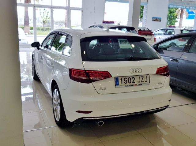Audi A3  Sport Edition 1.6 Tdi Sportback 5p. de ocasión en Málaga - Foto 4